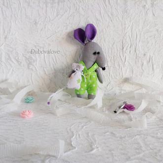 Новогодняя елочная игрушка крысёныш / крыса в подарочной упаковке