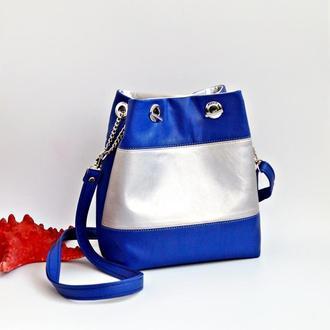 Синяя сумка-мешок через плечо из эко-кожи