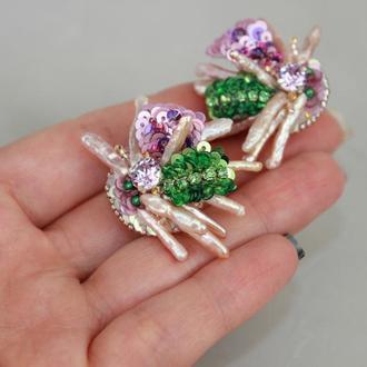 Сережки-кліпси з натуральних перлів і кристалів. Вишивка паєтками