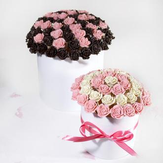 Букет из шоколадных роз в шляпной коробке
