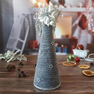 Новогодняя декоративная серая плюшевая елочка