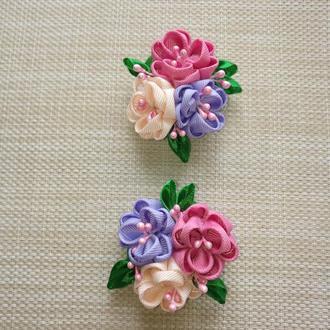 Букетик  цветов канзаши из  репсовых лент на заколке
