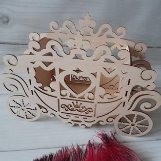 Декоративна карета різьблена з дерева 35х24х13.
