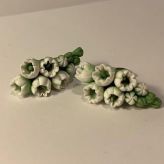 Серьги-гвоздики из полимерной глины ′Цветы Ландыши′