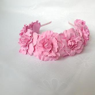 Веночек с розовыми розами ручной работы.