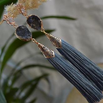 Сіро-блакитні сережки - кисті з агатом 'Дим над водою'