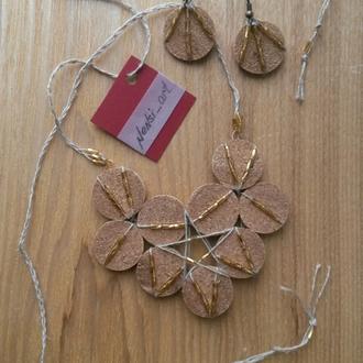 Набор украшения из пробкового дерева и бисера