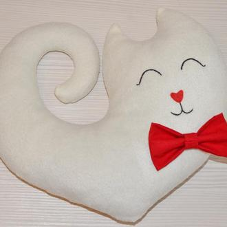 Подушка в виде кошки или кота