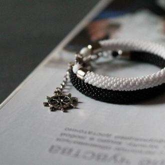 Чорный и белый браслет из бисера, набор браслетов на подарок на день рождение для сестры