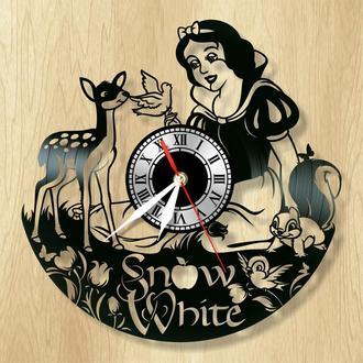 """Виниловые настенные часы """"Белоснежка"""" - прекрасный подарок для себя и своих близких."""