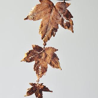 Колье из омедненных скелетированных кленовых листьев