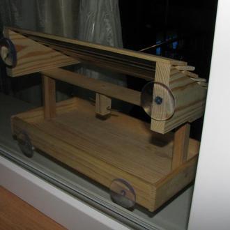 Односкатная деревянная кормушка для птиц
