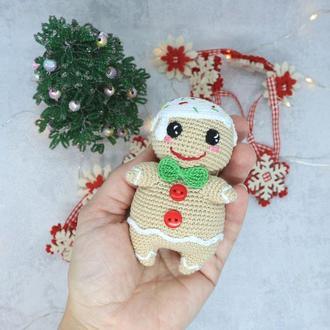Вязаная игрушка пряничный человечек, новогодний подарок, подарок на рождество, вязаная кукла