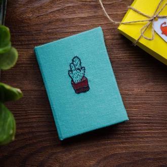 Мини- блокнот ручной работы с вышивкой кактус в подарочной коробке - Блокнот с цветными страницами