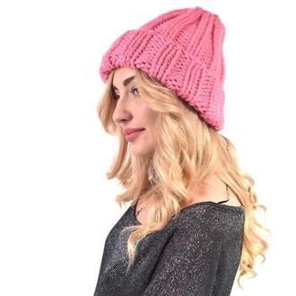 Классическая шапка крупной вязки. Розовая