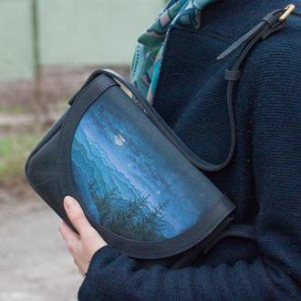 Кожаная маленькая женская сумка через плечо с росписью горы