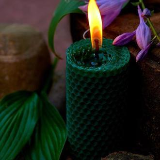Зеленая свеча натуральная из вощины, ручной роботы для оригинального подарка и декора
