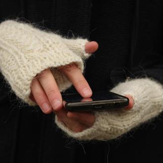 Короткие шерстяные перчатки