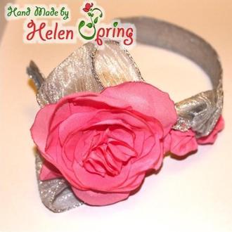 Нарядный обруч для волос Три розы с серебристым декором