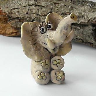 Фигурка в виде слона
