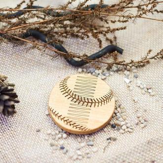 """Гребень для бороды """"Бейсбол"""" из натурального дерева в холдере"""
