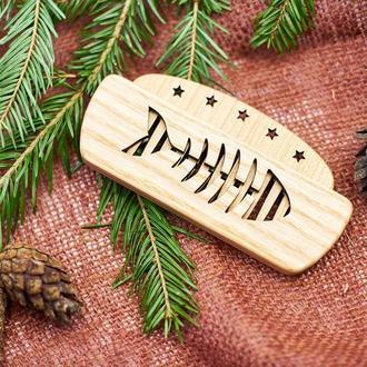 """Гребень для бороды деревянный в холдере """"Скелет рыбы"""""""