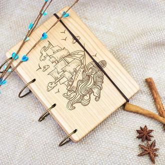 """Блокнот """"Кораблик"""" из натурального дерева на кольцах А6"""