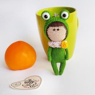 Вязаный брелок лягушонок, аксессуар на сумку или рюкзак, вязаный брелок кукла лягушка, игрушка жабка