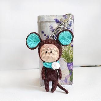 Вязаный брелок мышка аксессуар на сумку или рюкзак, вязаный брелок кукла мышонок, мышь, символ 2020