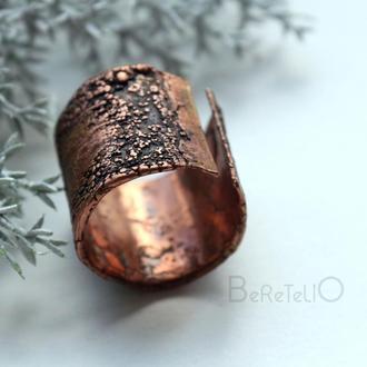 Медное широкое кольцо с фактурой