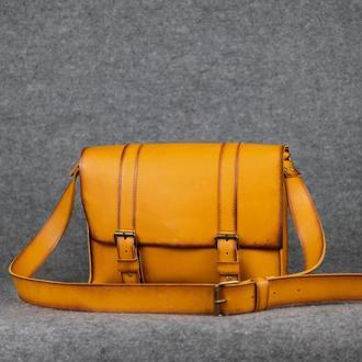 """Мужская сумка """"Модель №47"""" Кожа Итальянский краст цвет Янтарь"""