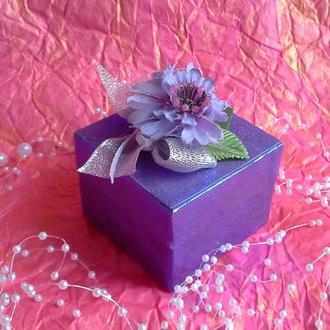 Подарочная коробочка с васильком.