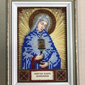 Икона вышитая бисером в багете Святая Клара Ассизская