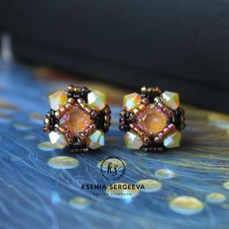 Серьги гвоздики с кристаллами Сваровски