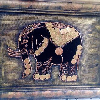 Картина слон из монет