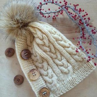 вязаная шапка с помпоном для женщин