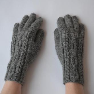 Тонкие перчатки из шерстяной пряжи