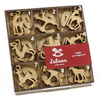 Заготовка для декорирования Zabava (ДВП) Олени и Санта (в ассортименте) на подставке 7*5см SET012-base