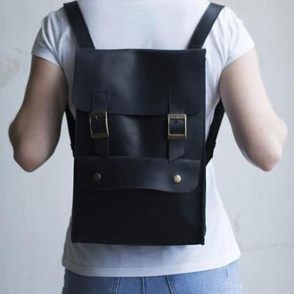 Шкіряний рюкзак чорний на пряжках
