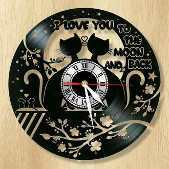 """Настенные часы """"Влюблённые котики"""" - классный подарок для себя и своих близких."""