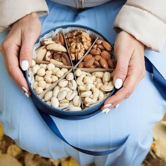 Большая подарочная на 6 орехов