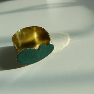 Латунный перстень с холодной эмалью