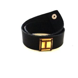 Кожаный браслет ручной работы с Руной ИС