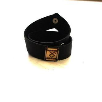 Кожаный браслет ручной работы с Руной ОДАЛ