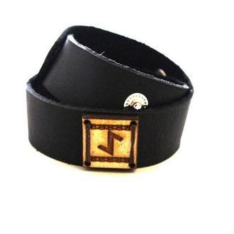 Кожаный браслет ручной работы с Руной Эйваз