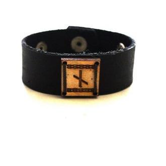Кожаный браслет ручной работы с Руной НАУТИЗ