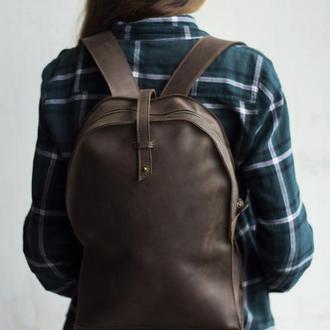 Кожаный рюкзак на кобурной застежке коричневый