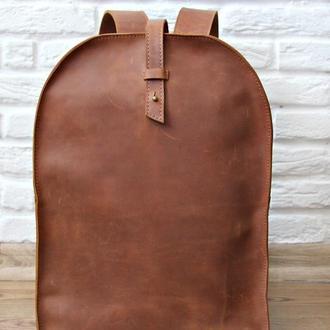 Кожаный рюкзак на кобурной застежке женский