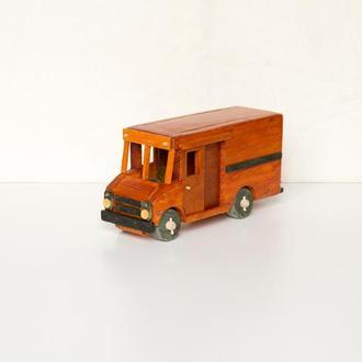 Машинка из дерева / Фургон