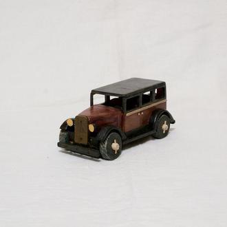Машинка из дерева / Ретро